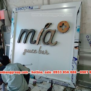 bảng hiệu cửa hàng nước mía trái cây quận 1